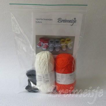Haakpakket Breimeisje sportschoentjes oranje