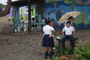 Costa Rica - Tortuguero Nationalpark - Schulkinder