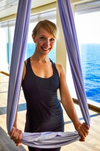 mein-schiff-3-elisabeth-konstantinidis-kreuzfahrt-flying-pilates-0460