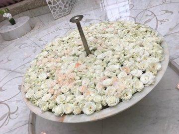 Frische Blumen wohin man sieht