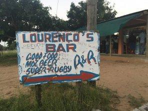 Mosambik-Breitengrad53-Reiseblog-Andrea-Tapper-- Plakat Kneipe