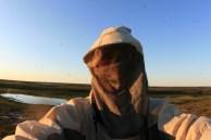 Manchmal ist auf meinen Reisen ungewöhnliche Kleidung nötig - wie hier gegen Mücken