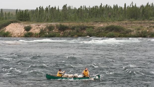 Dann ging es mit den Kanus aufs Wasser