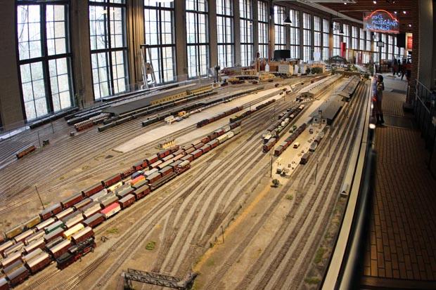 Ein wunderschönes Modell des Anhalter Bahnhof ist ebenfalls im Lokschuppen zu finden