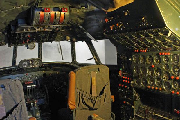Auch in viele Cockpits kann ein Blick riskiert werden