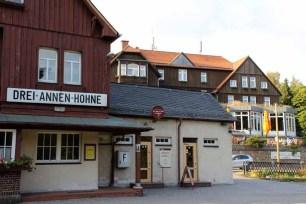 Bahnhof und Hotel Kräuterhof in Drei-Annen-Hohne