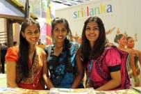 Am Messestand von Sri Lanka auf der ITB