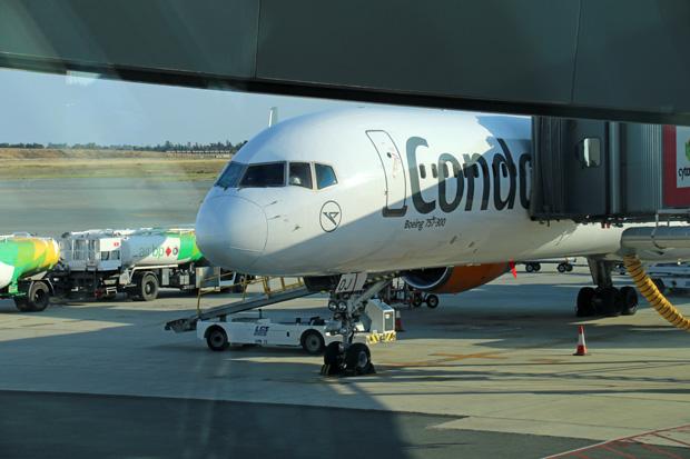Mit dieser Boeing 757 von Condor bin ich von Düsseldorf nach Larnaca auf Zypern geflogen