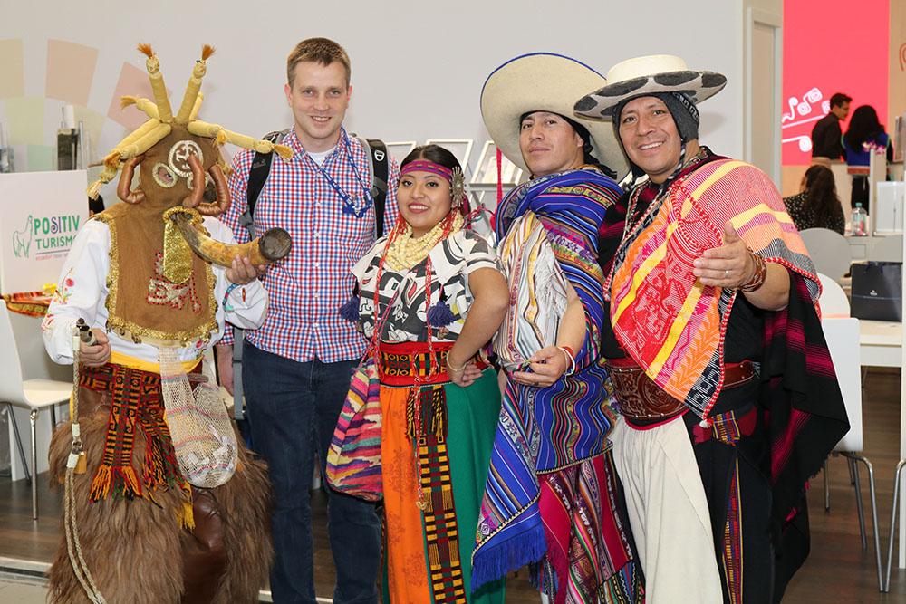 Inmitten einer Gruppe fröhlicher Südamerikaner fühle ich mich wohl. Foto: Couchabenteurer