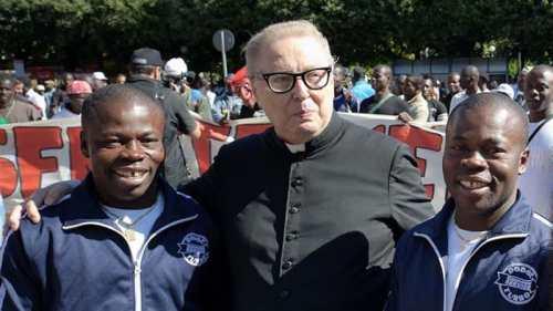Un évêque italien prêt à transformer les églises en mosquées si cela permettait d'aider les migrants