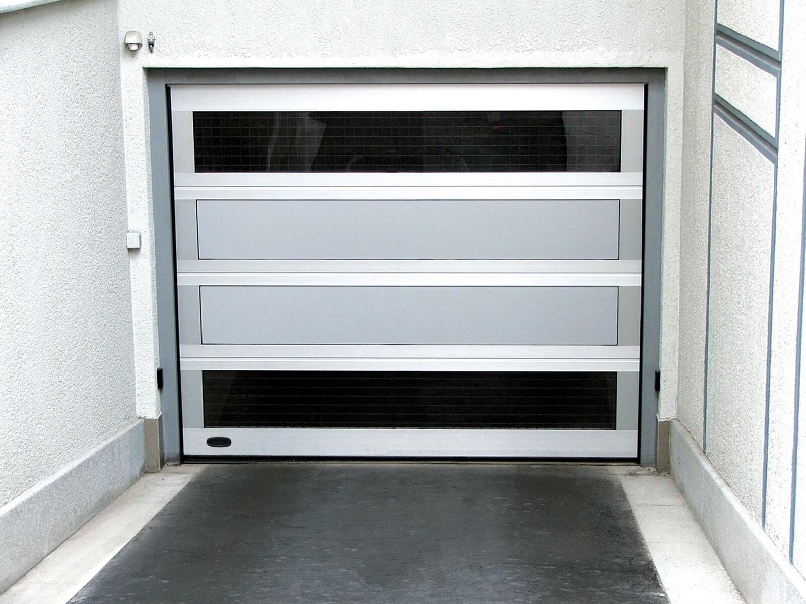Portone sezionale in alluminio LXU AL42