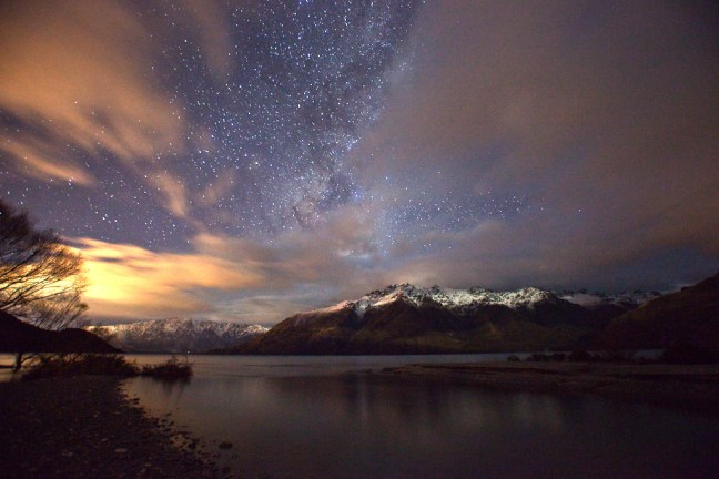 Queenstown_New_Zealand_Lake_Waktipu