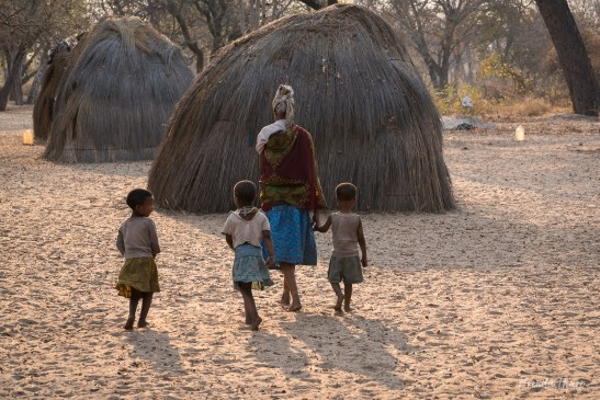 San Woman and children near N'homa, Namibia.
