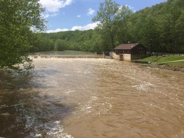 Ozarks residents await relief from record flooding