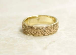 14k yellow mosaic fingerprint ring