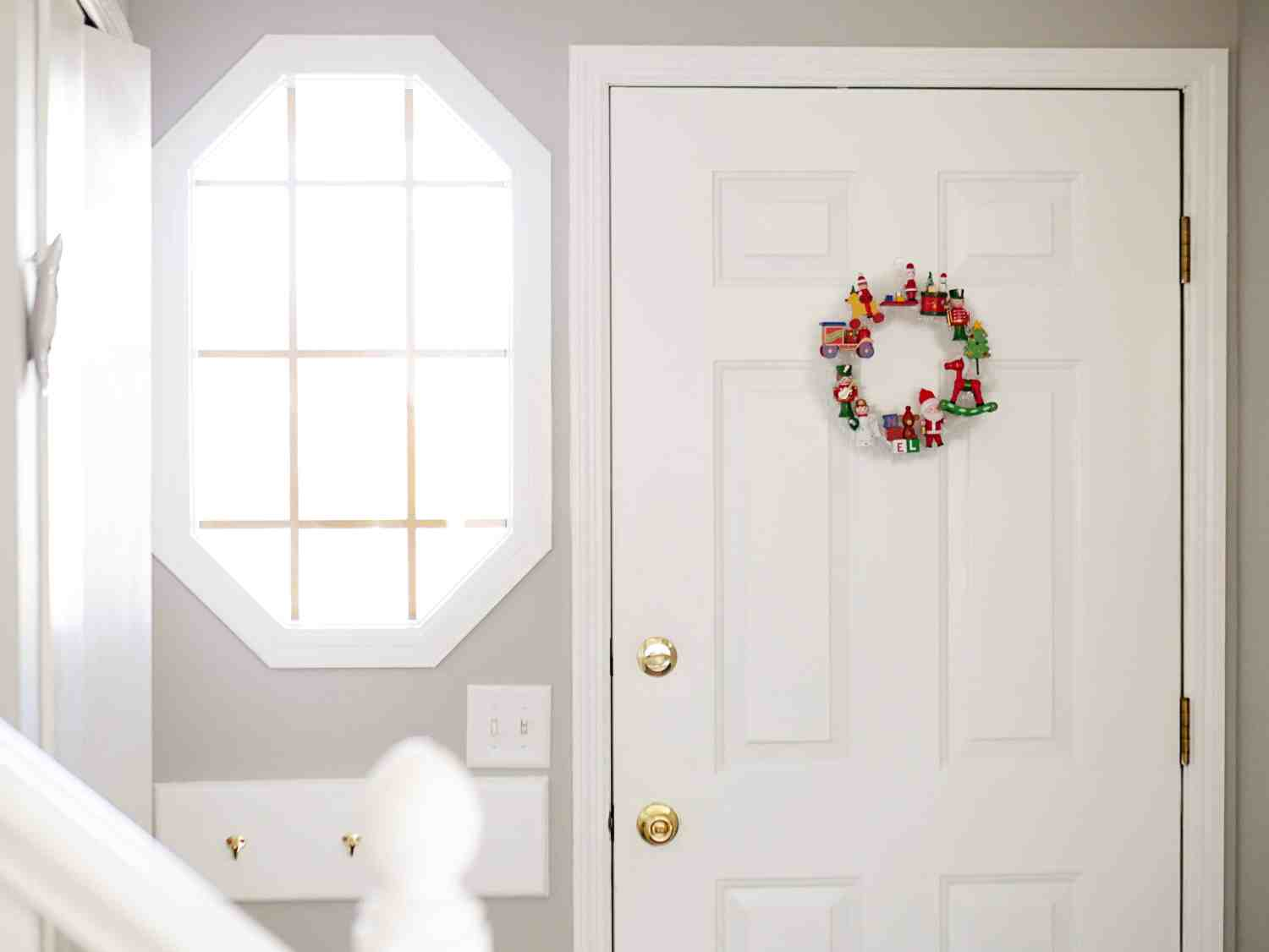 thrifted-vintage-ornament-wreath-tutorial-4
