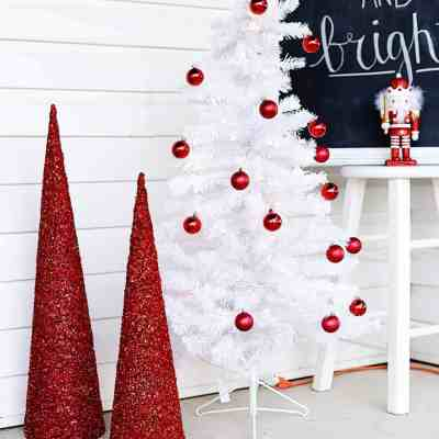 Christmas Front Porch Decor: Holiday Makeover