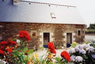 Locations bretagne 22 Entre            Brest et Saint-Malo près de Perros-Guirec, vos vacances en Bretagne            en Côtes d'Armor. Sur la côte de granit rose