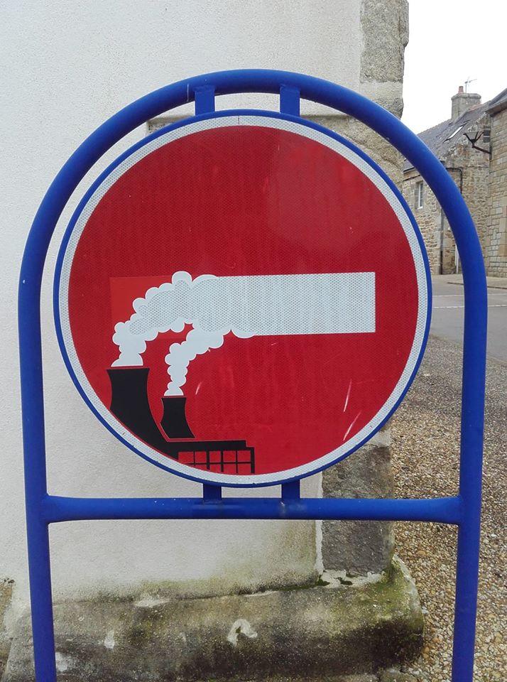 Straßenschild in der Bretagne