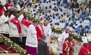 pope-in-uganda.jpg