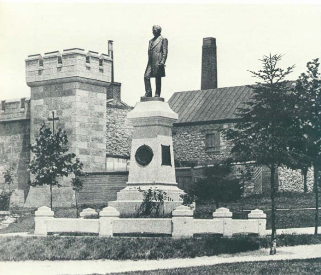 Old Photo of the Lauer Statue