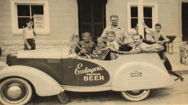Esslingers Beer Promo Car with Kingpin Drivers