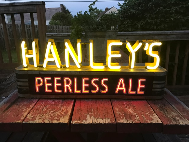 hanleys peerless ale neon sign lumin-art display company