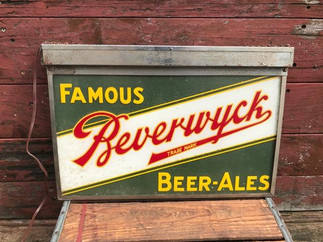 Famous Beverwyck Beer Lighted Sign - Breweriana Aficionado