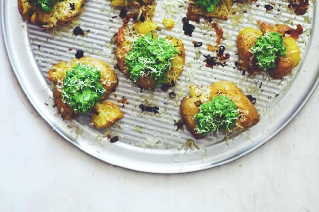 Smashed Potatoes with Garlic Sweet Pea Mash