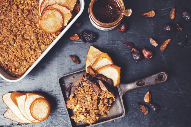 fig oatmeal bake with streusel topping