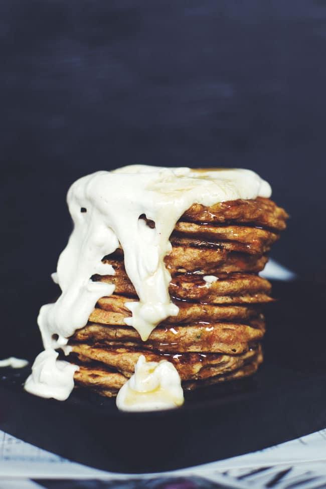 carrot cake pancakes with vanilla cashew cream