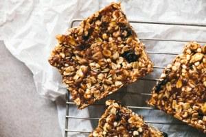 no bake blueberry crisp granola bar