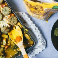 Vegetarian Pot Pie Casserole with Broccoli Casserole Bites from @hilaryseatwell | Brewing Happiness