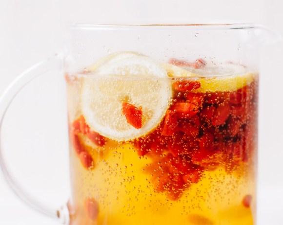 Goji Berry Sparkling Lemonade