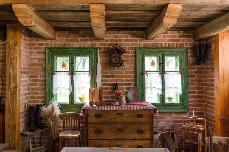 Employment and the Stay-at-Home Wife: A country rustic room.