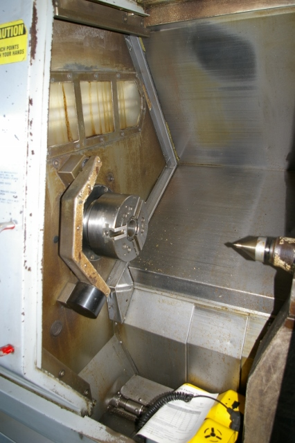 Item 15253A HAAS SL20T CNC TURNING CENTER NEW 2000