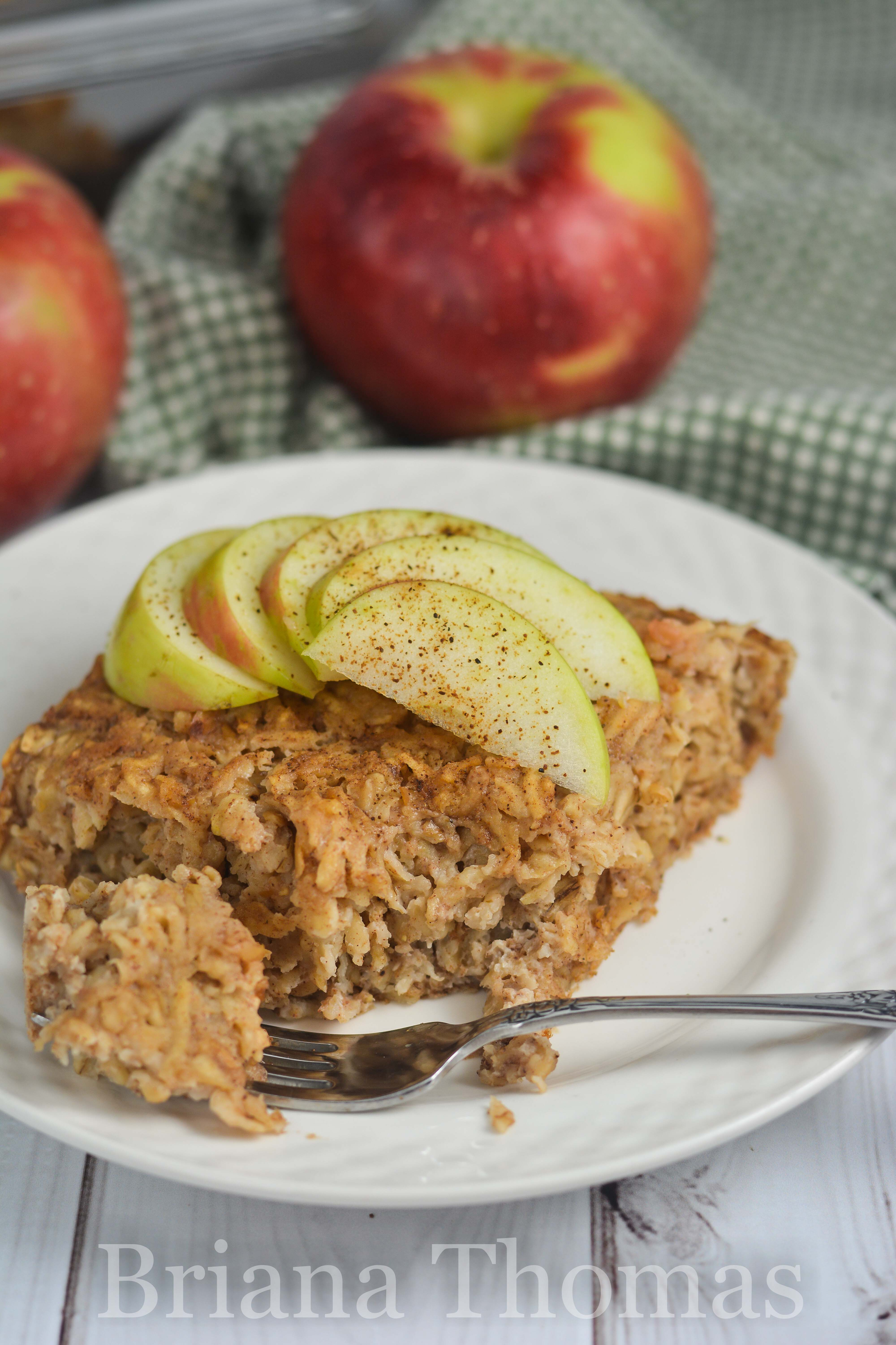 This Apple Pie Baked Oatmeal makes a lovely make-ahead breakfast and keeps well throughout the week! THM:E, no sugar added, gluten/dairy/nut free options