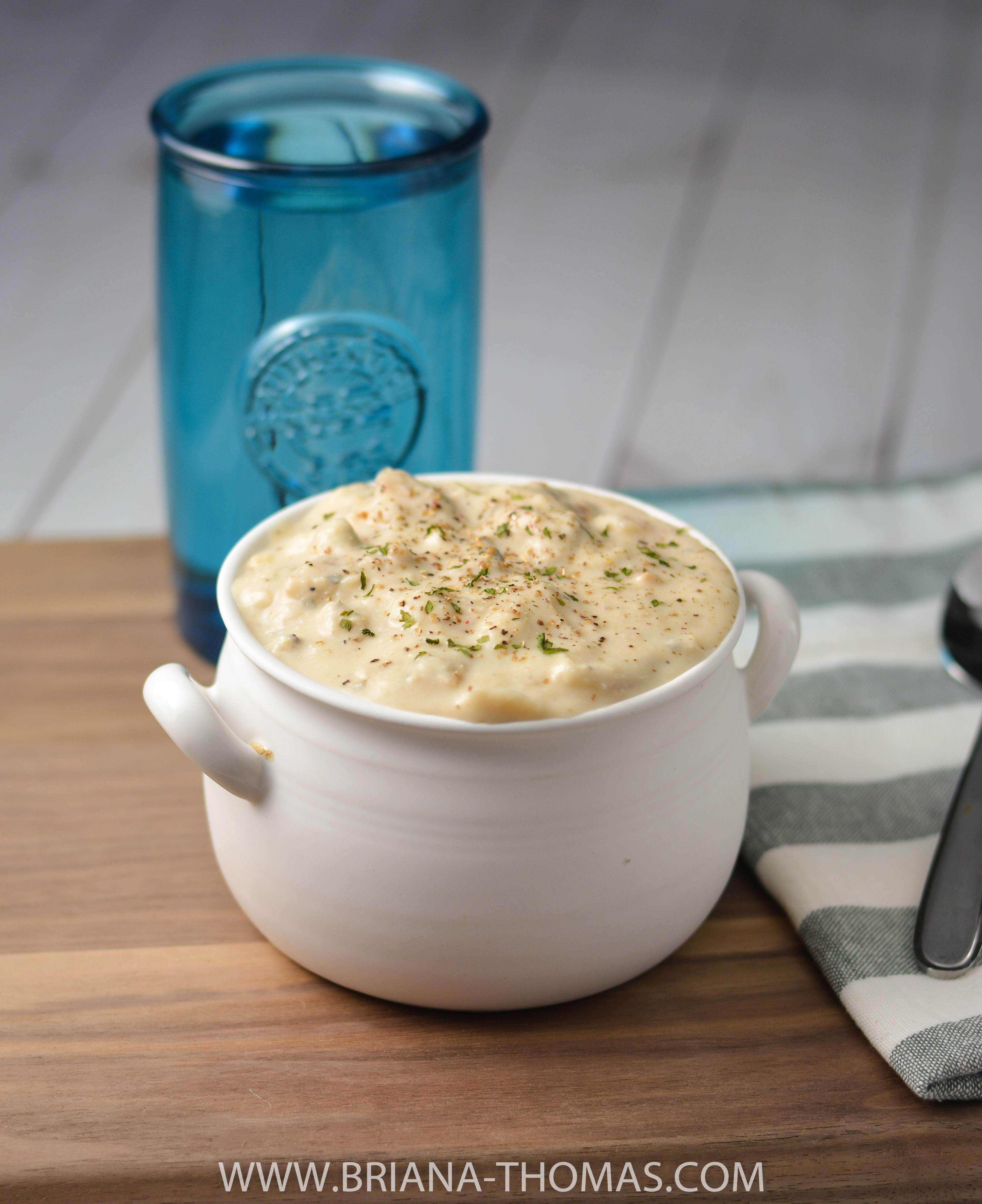 This Low-Carb Clam Chowder is so creamy and thick, but it's completely on plan as a THM S! Gluten free, egg free, and nut free