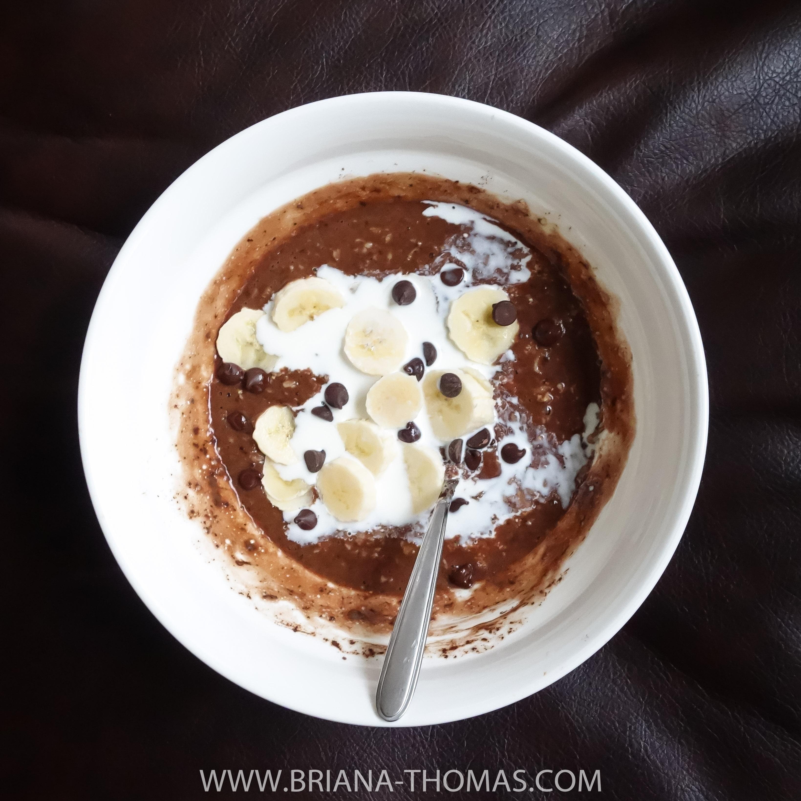 Easy Chocolate Oatmeal - www.briana-thomas.com