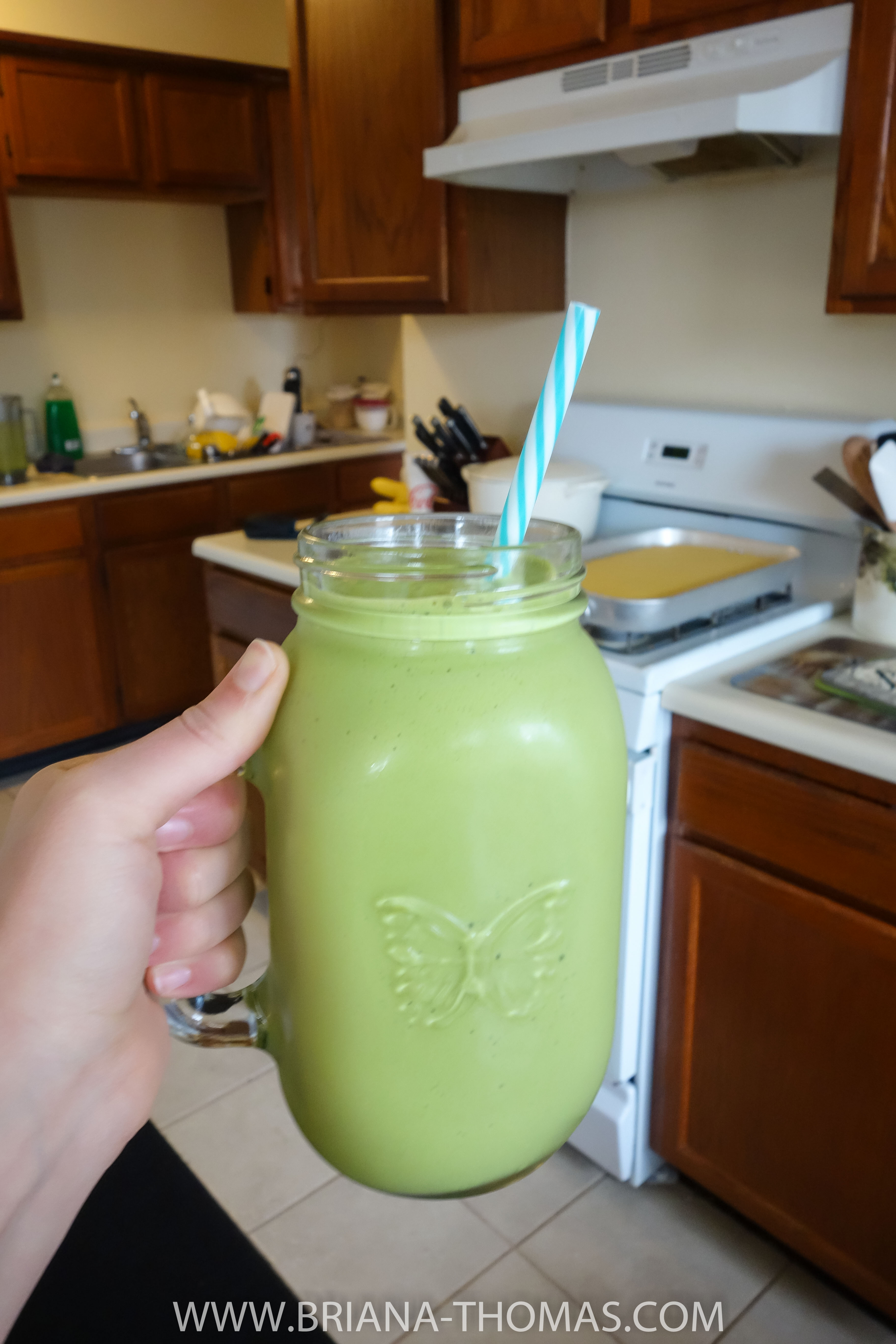 A pineapple, orange, and spinach kefir shake experiment