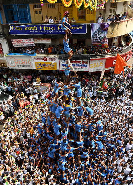 Dahi Handi - Hindu festival image made in Mumbai by Brian Cassey, Cairns Australia based photographer
