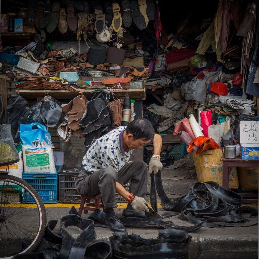 Shoe Repairman, Shanghai, China (IMG_3447)