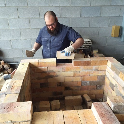 Soda kiln - Building the straight walls