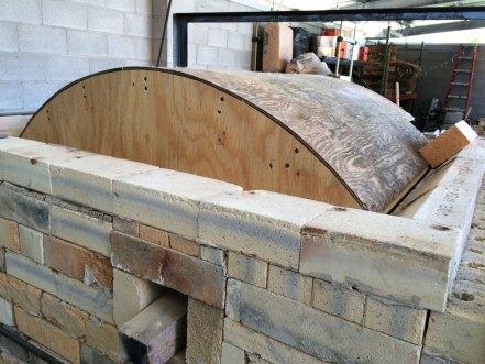 Soda kiln - finished arch form, setting the skews