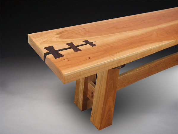 Sculpted crack with bowties in bench