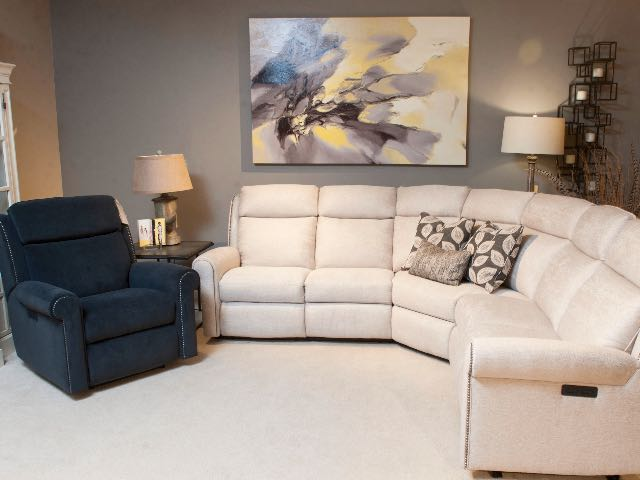 NEW 422 Reclining Sectional at Market