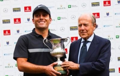 73° Open d'Italia di golf a Monza: il presidente della FIG Chimenti premia il vincitore Francesco Molinari