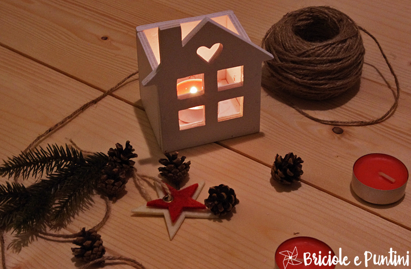lanterne in legno a forma di casetta