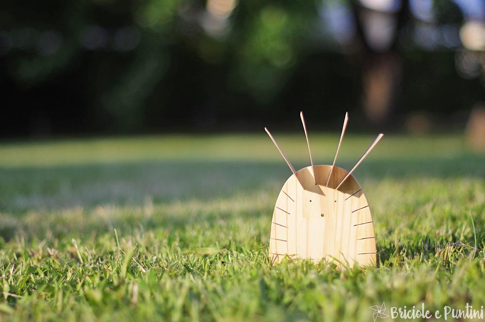 Riccio porta carte in legno