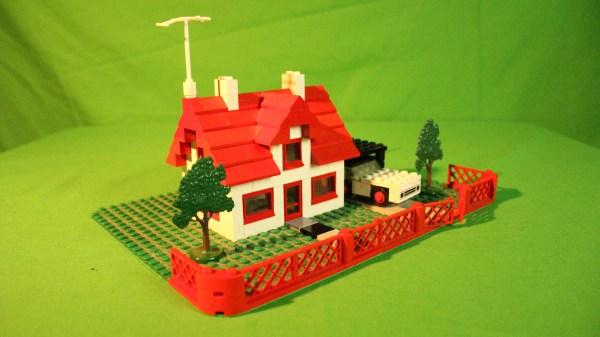 346 - Haus mit Auto